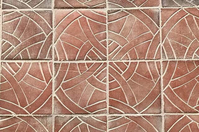 Gulvtegl med præg/mønster